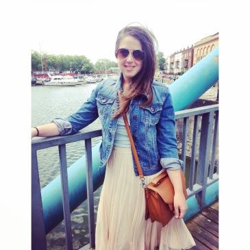 Preloved denim jacket, vintage jean jacket, how to wear second hand style.