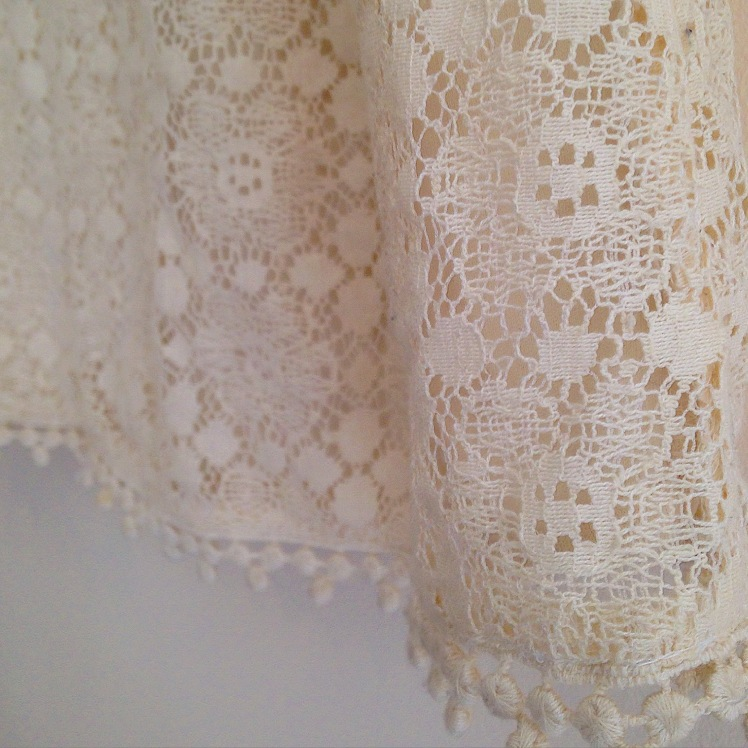 Second hand pre-loved dress cream lace tea dress vintage charity shop style inspiration how to wear #fashiontakeback